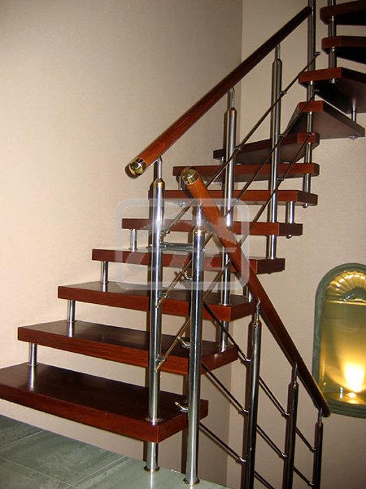 Перила для лестницы в частном доме из металла своими руками